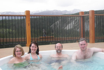 how long can you stay in a hot tub